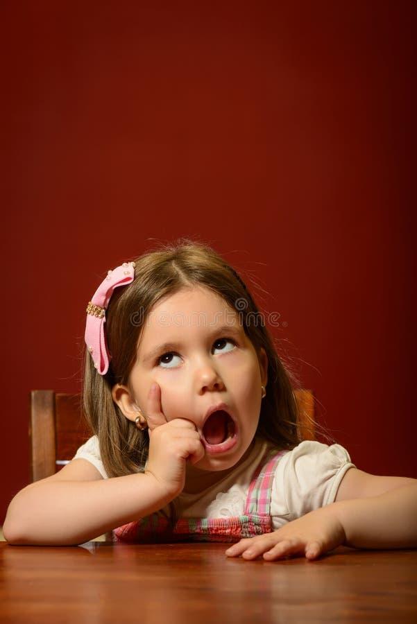 Jogo expressivo da menina fotografia de stock