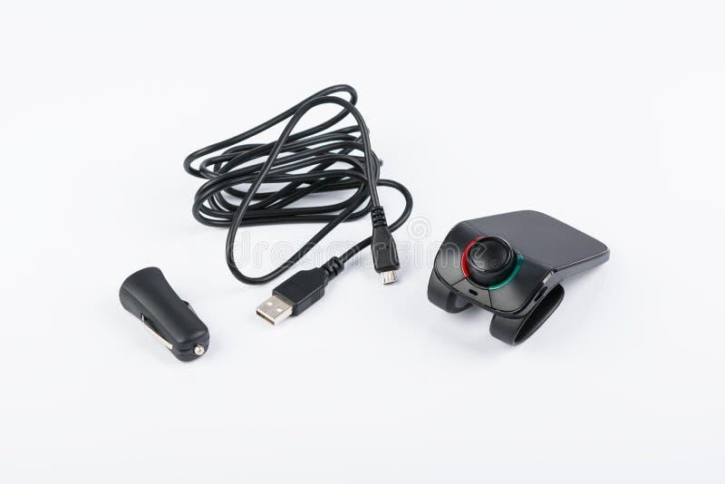 Jogo mão-livre do carro de Bluetooth no fundo branco imagem de stock royalty free