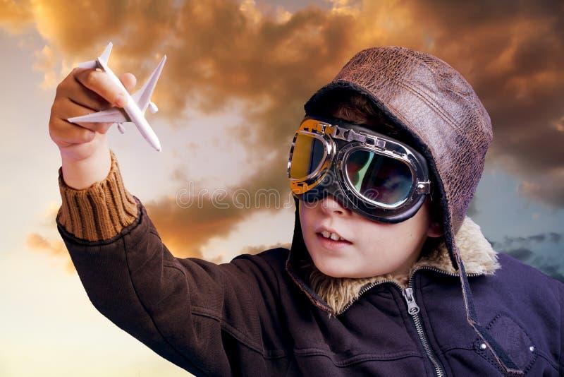 Jogo a ser um piloto profissional foto de stock royalty free