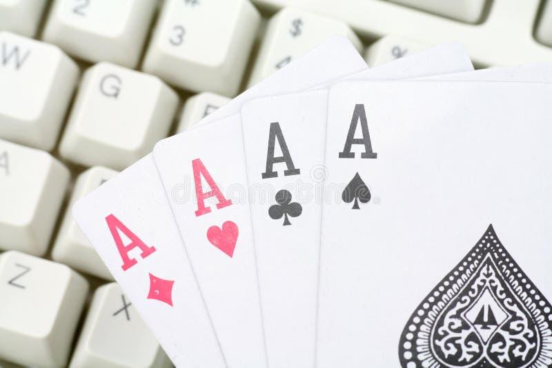 Jogos de cartão em linha imagem de stock royalty free