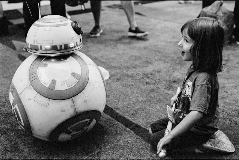 Jogos do fã de Star Wars com BB8 foto de stock