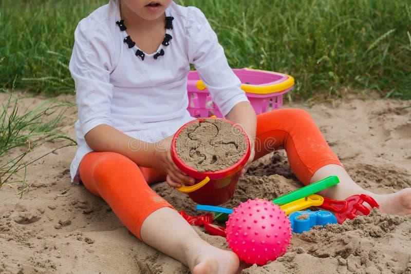 Jogos do verão Formulários para o jogo com areia imagem de stock