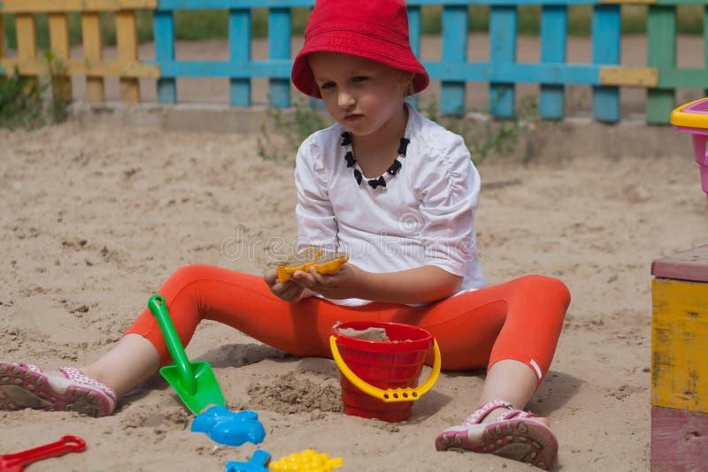 Jogos do verão Formulários para o jogo com areia fotografia de stock