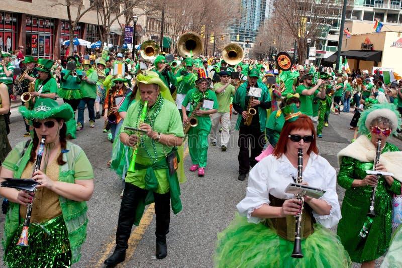 Jogos ecléticos da faixa na parada de St Patrick fotografia de stock royalty free
