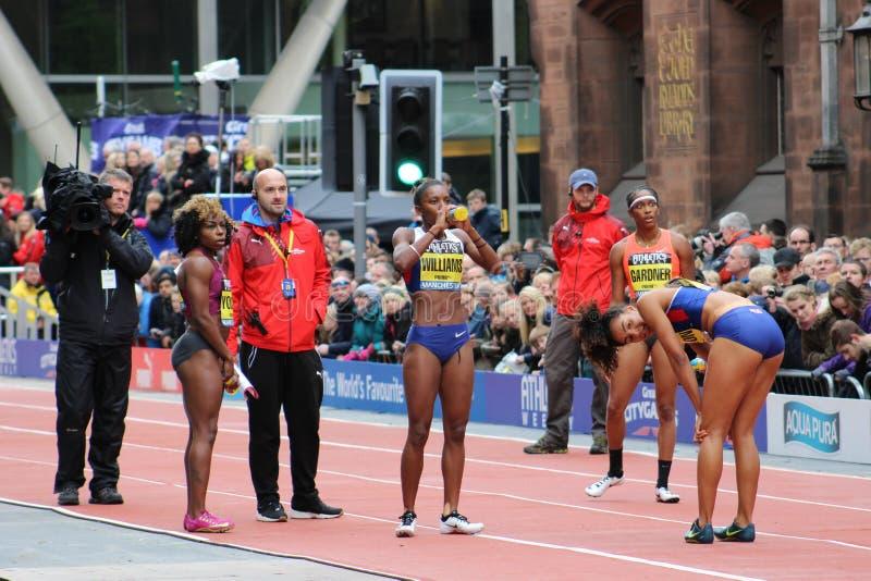 Jogos Manchester 2015 da cidade do 100m das mulheres grandes fotografia de stock