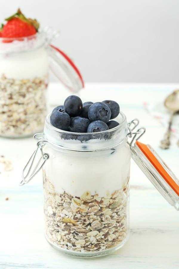 Jogurt i granola zdjęcia royalty free