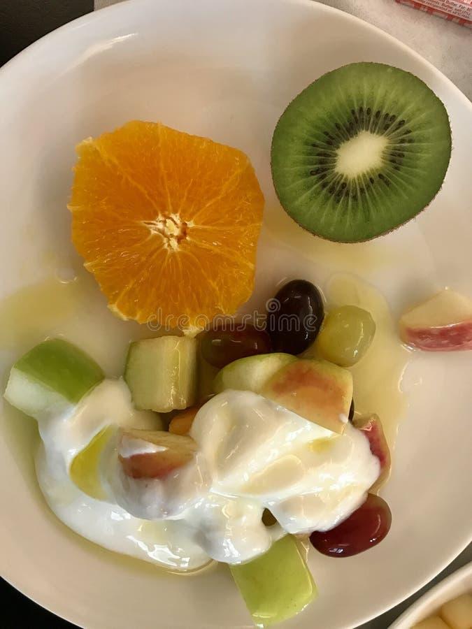 Jogurt owocowa sałatka fotografia stock