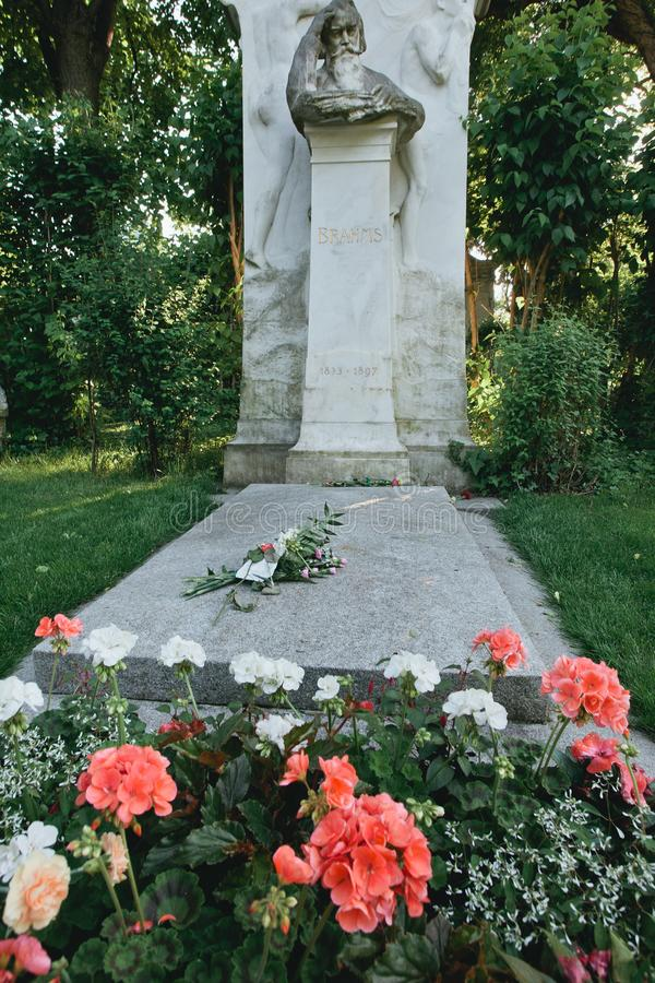 Johannes Brahmsâ €™grav i Wien centralkyrkogård arkivbilder