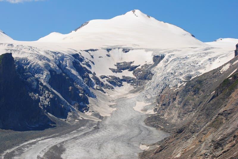 Johannisberg-Spitze und Pasterze-Gletscher in Österreich stockbilder