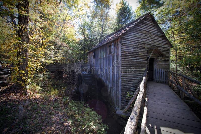 John Cable Grist Mill i den Cades lilla viken Tennessee royaltyfri foto