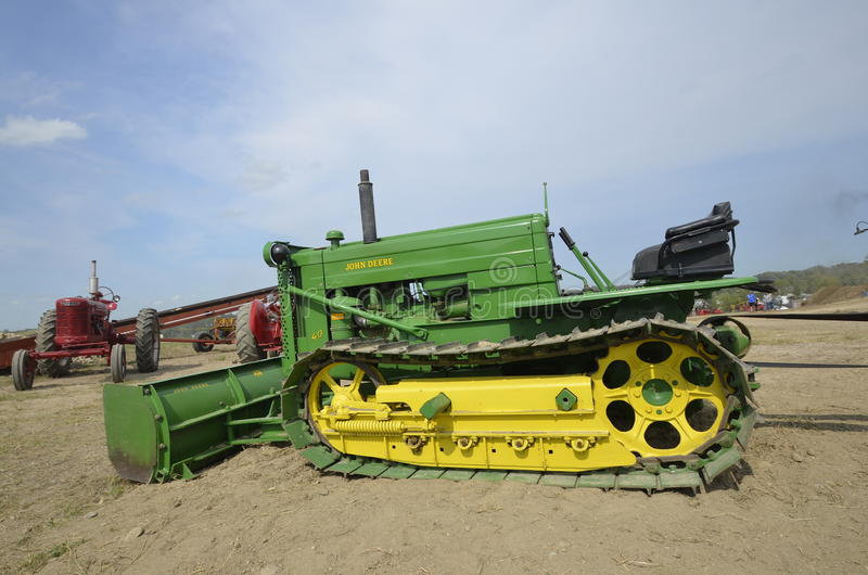 John Deere Bulldozer restaurado fotografia de stock royalty free