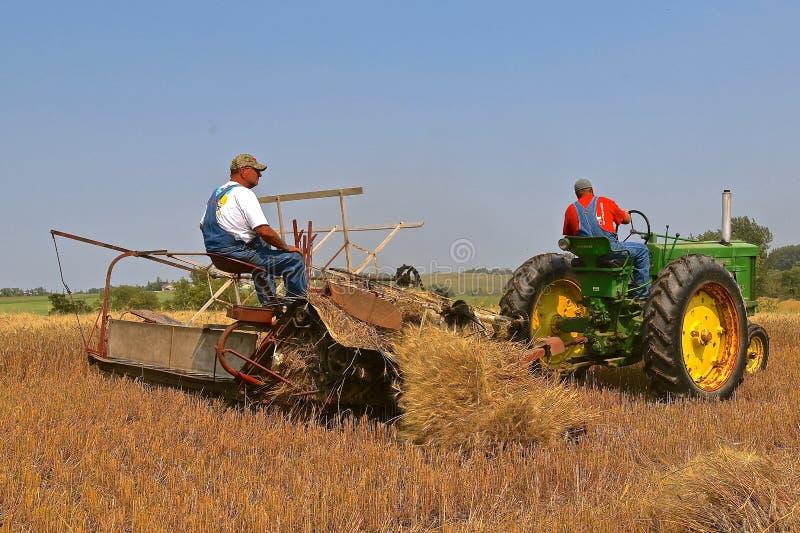 John Deere 60 Tractor en korrelbindmiddel stock afbeelding