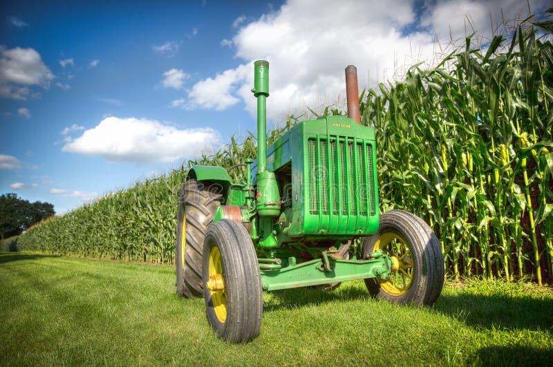 John Deere Tractor verde d'annata fotografia stock libera da diritti