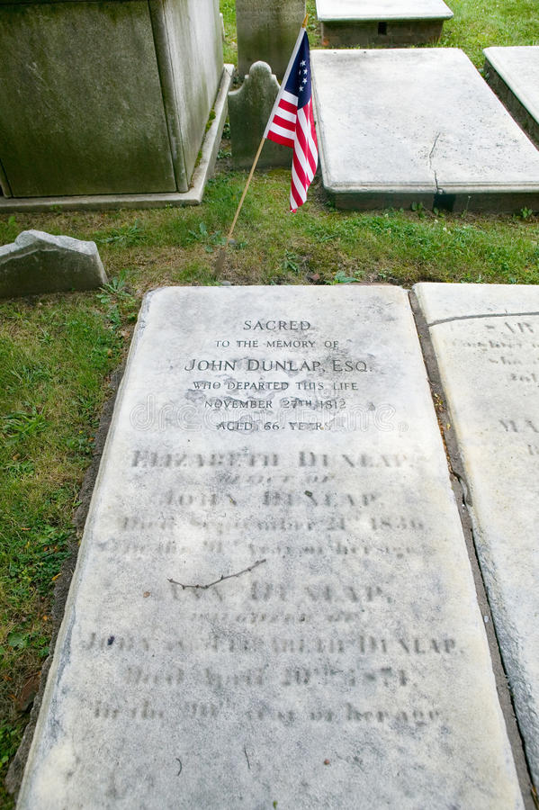 John Dunlap gravestone. In Christ Church Burial Ground, Philadelphia, Pennsylvania, a signer of the Declaration of Independence and printer of Dunlap copies stock photography