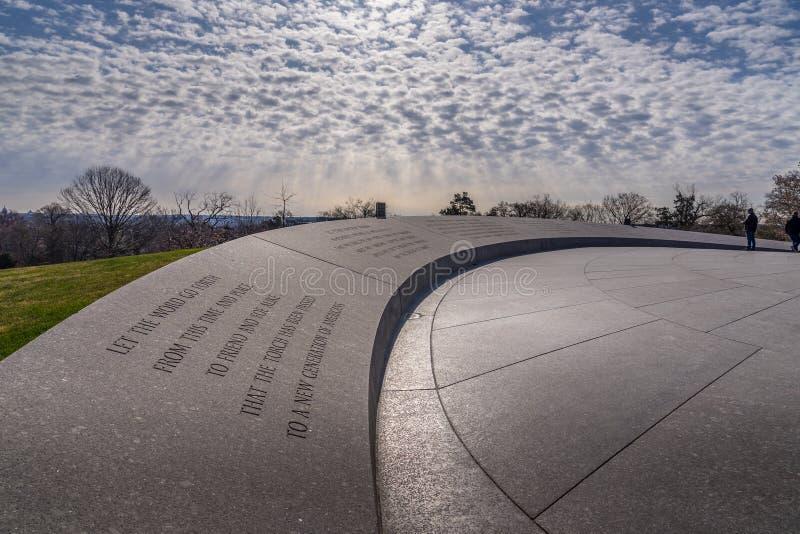 John F Kennedy Memorial i Arlinton den nationella kyrkogården, royaltyfria bilder