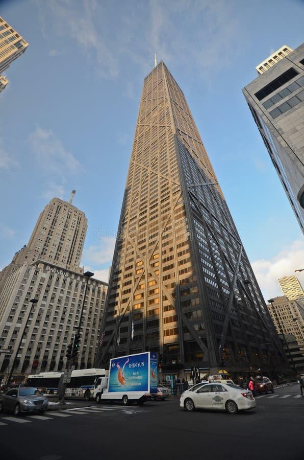 John Hancock-Gebäude in im Stadtzentrum gelegenem Chicago lizenzfreie stockfotos