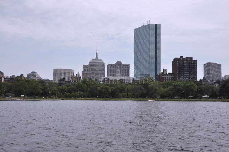 John Hancock Tower-Ansicht von Charles River in Staat Bostons Massachusettes von USA stockfotografie