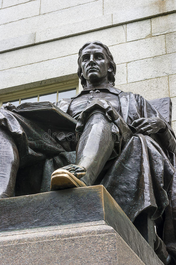 John Harvard Statue images stock
