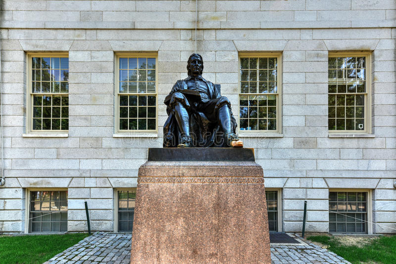 John Harvard Statue - Boston lizenzfreie stockfotos