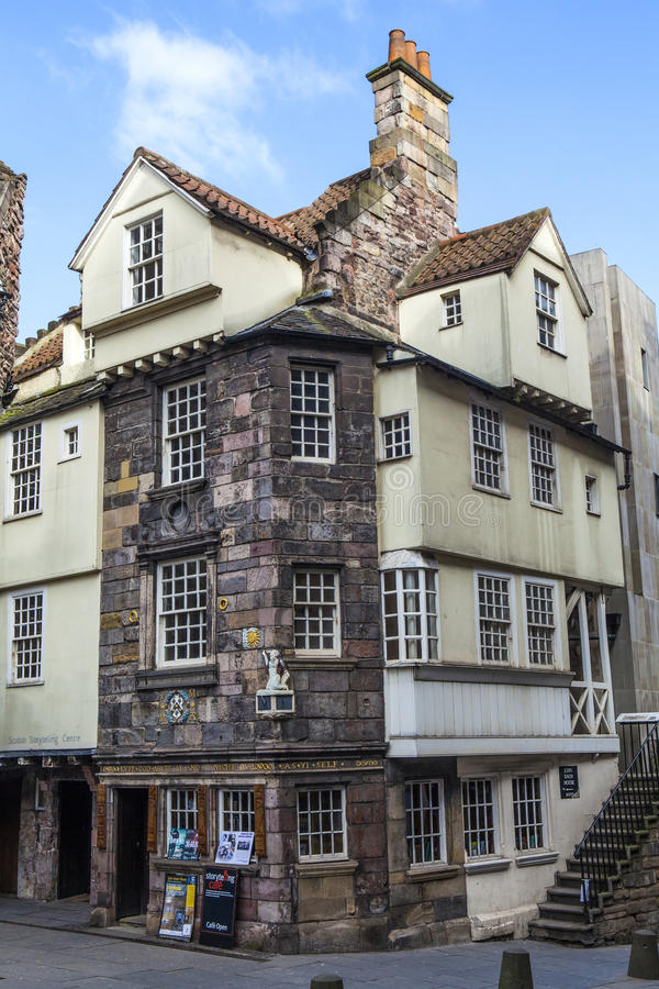 John Knox House i Edinburg arkivfoto