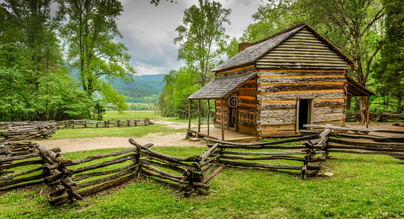 John Oliver & x27; s-kabinGreat Smoky Mountains nationalpark royaltyfri foto