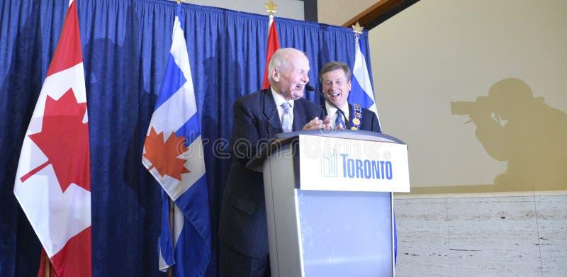 John Tory som officiellt in sworning som Toronto 65th borgmästare i stadshuset, Toronto, Kanada arkivbilder