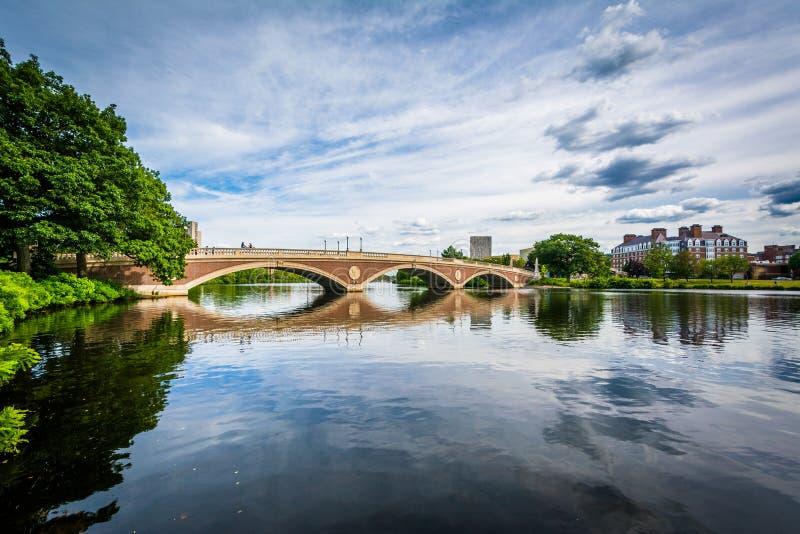 John W tygodnie mosty i Charles rzeka w Cambridge, Massachu obrazy stock