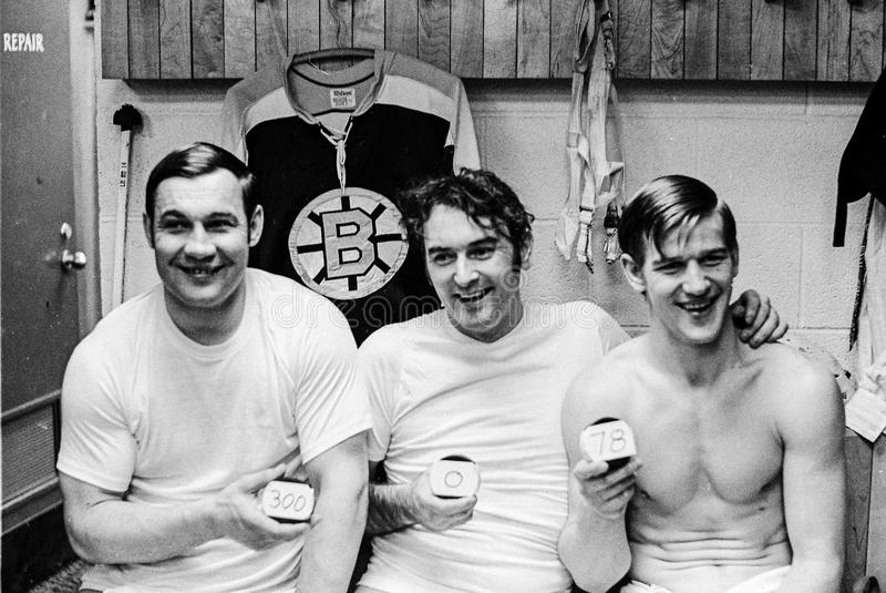 Johnny Bucyk, Eddie Johnston e Bobby Orr immagine stock libera da diritti