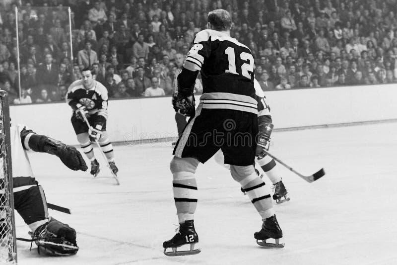 Johnny Bucyk och Wayne Cashman, Boston Bruins arkivbild