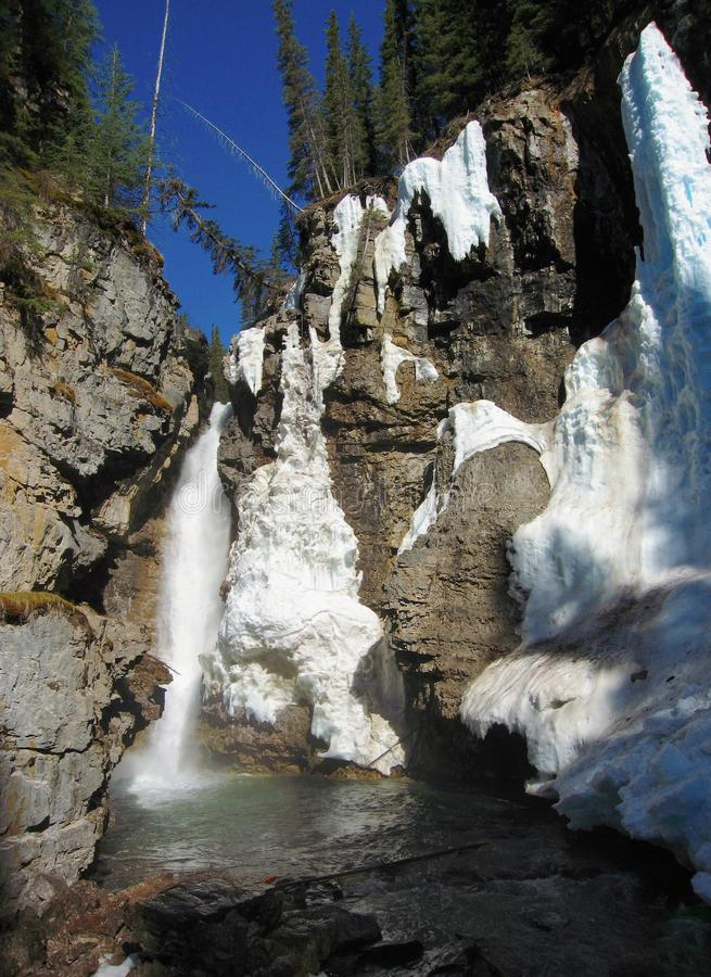 Johnston Canyon Waterfall, het Nationale Park van Banff, Alberta royalty-vrije stock afbeelding