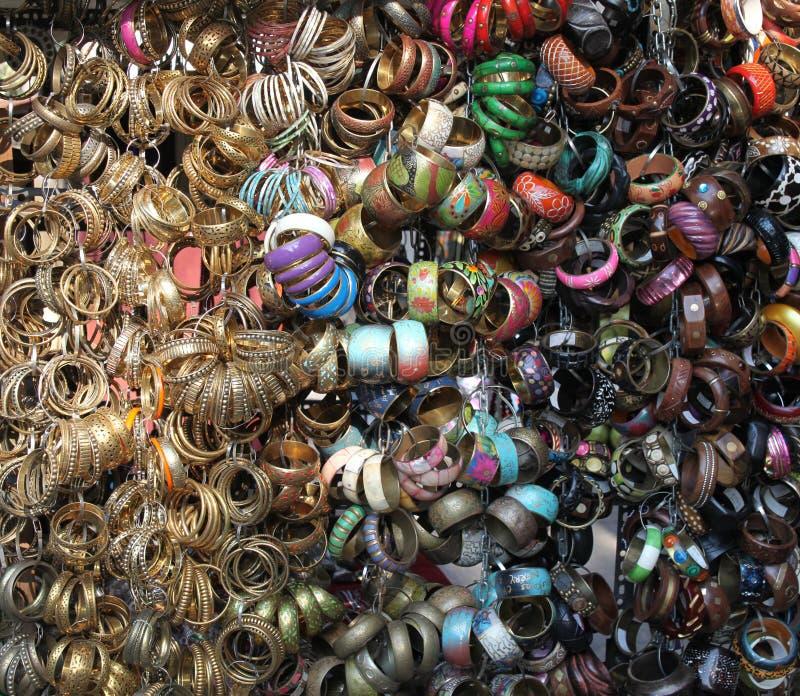 Joia colorida da forma na exposição na Índia fotografia de stock