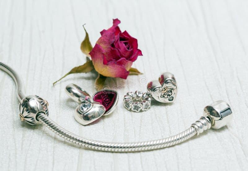 Joia do bracelete de Pandora fotos de stock royalty free