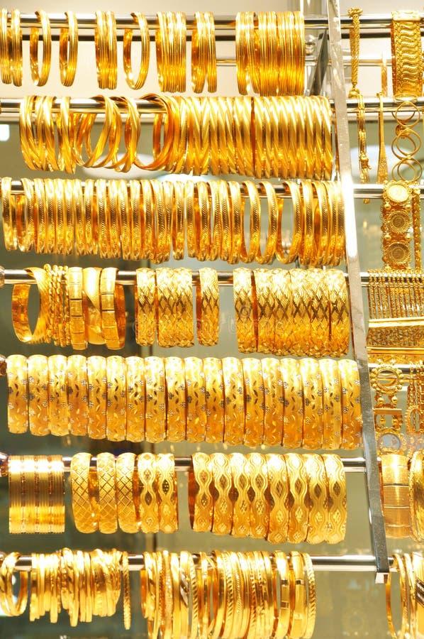 Joia do ouro no bazar grande fotografia de stock royalty free