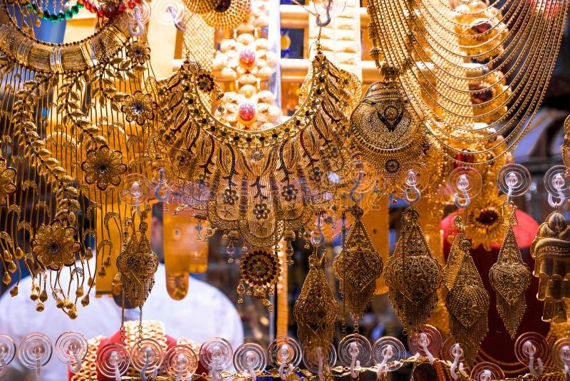 Joia do ouro no bazar grande em Istambul, Turquia fotos de stock royalty free