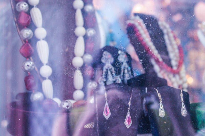 A joia do vintage perfuma a mulher ornamentado imagens de stock