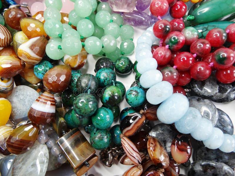 Joia dos grânulos dos cristais de Semigem foto de stock royalty free