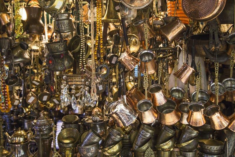 Joia dourada no bazar grande foto de stock royalty free