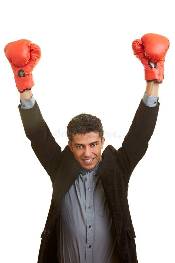 Joie avec des gants de boxe image stock