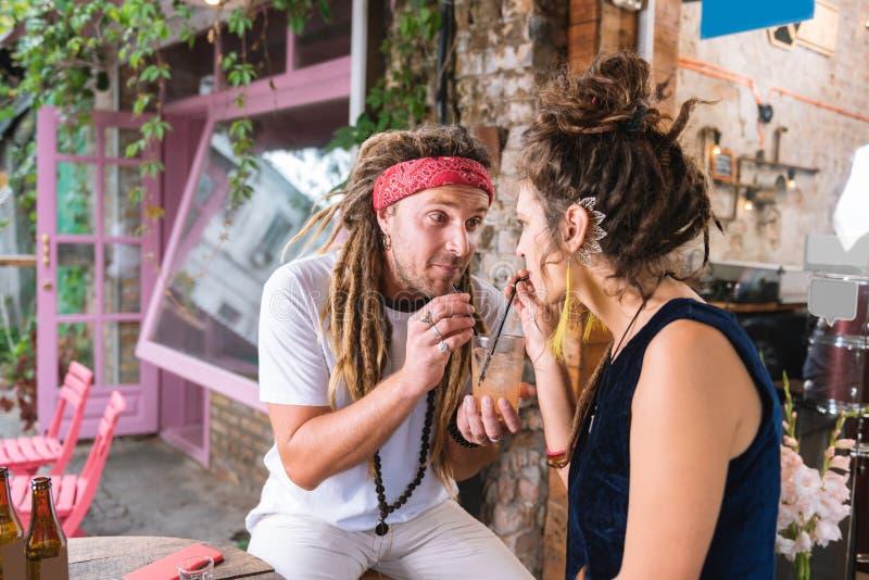 dating hippie men