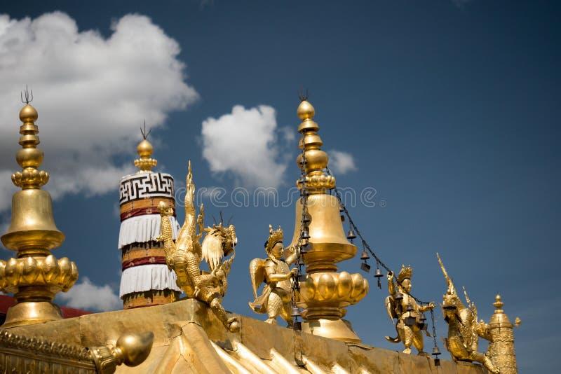 Jokhang-Tempel-Goldene Dachl Lhasa Tibet lizenzfreie stockfotografie
