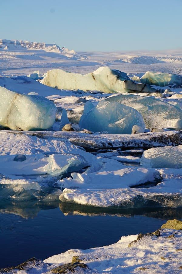 Jokulsarlon glaciärlagun i den Island vintern arkivbild