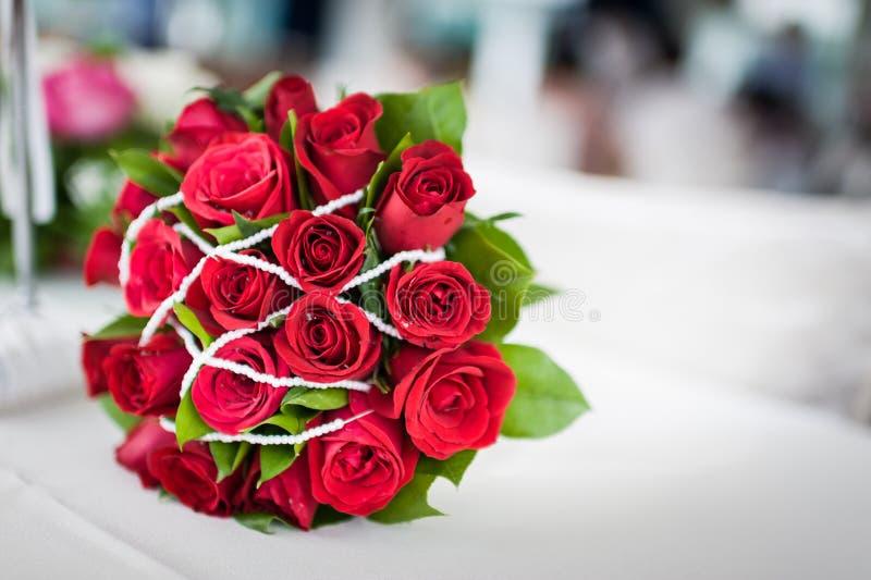 joli bouquet rose de fleur image stock image du assez 68200257. Black Bedroom Furniture Sets. Home Design Ideas