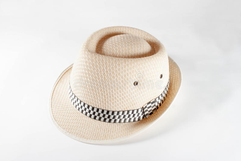 Joli chapeau de paille d'isolement sur le fond blanc, chapeau de paille i de Brown images libres de droits