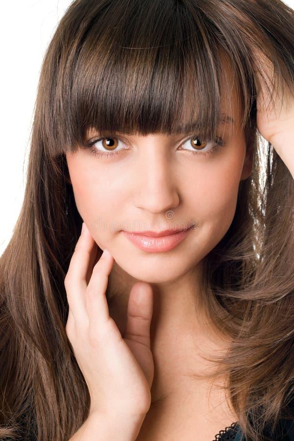Joli femme avec le cheveu foncé et les yeux bruns image stock