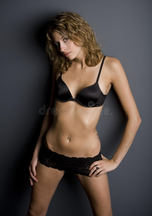 joli femme hispanique dans la lingerie photo stock image du lingerie photo 12277852. Black Bedroom Furniture Sets. Home Design Ideas