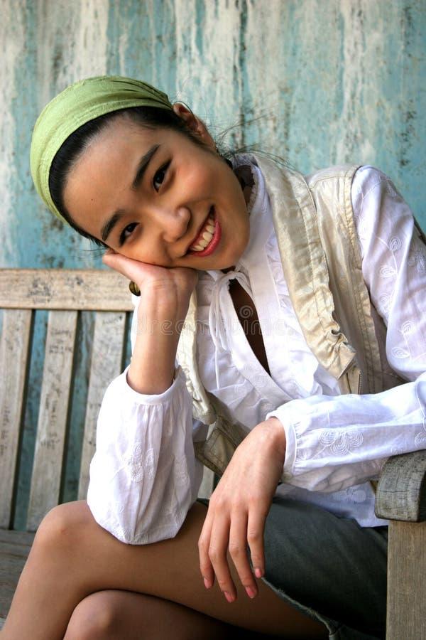 Download Joli sourire image stock. Image du dame, couleur, féminin - 742557