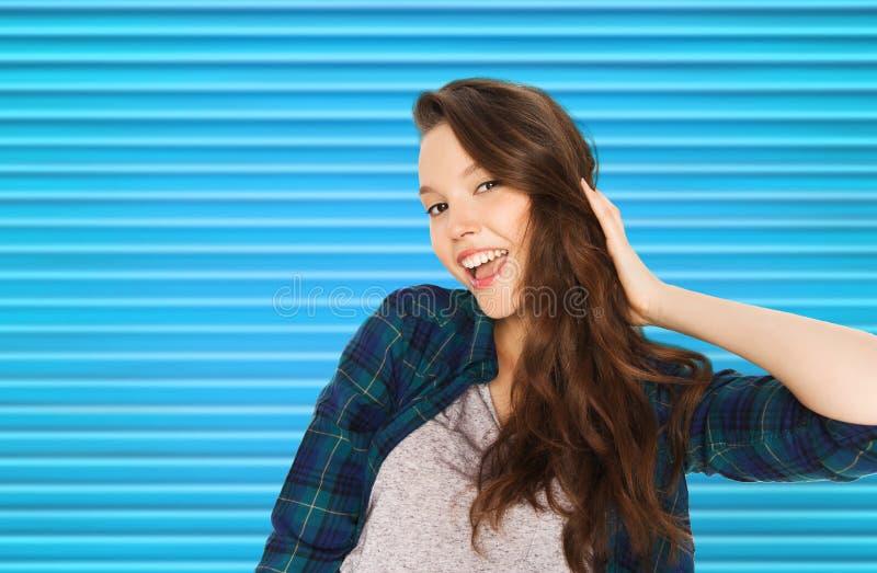 Jolie adolescente de sourire heureuse photos stock