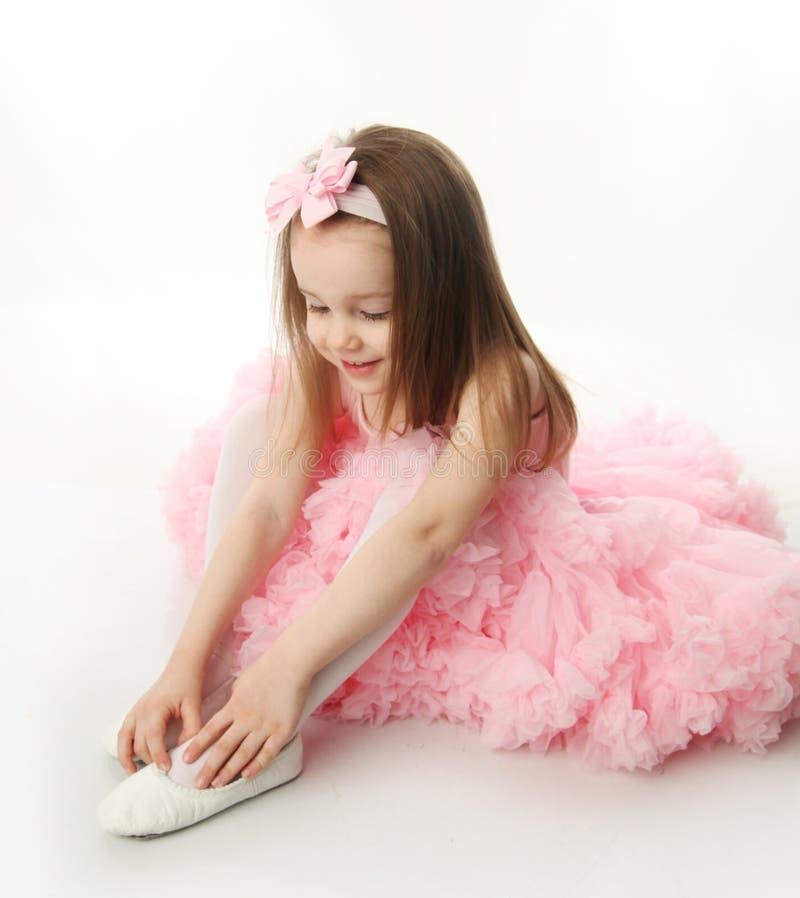 Jolie ballerine préscolaire photographie stock libre de droits