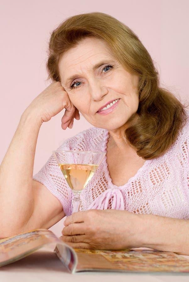 Jolie dame âgée photographie stock libre de droits