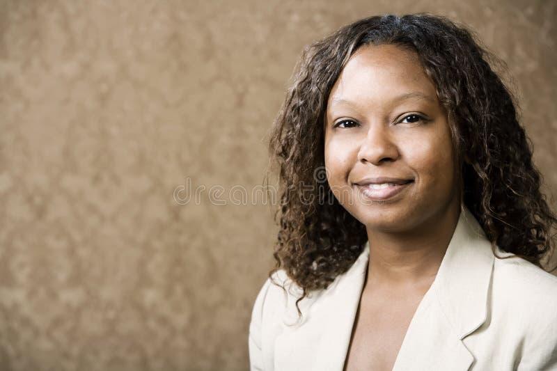Jolie femme afro-américaine photo libre de droits